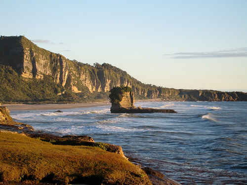 Limestone Cliffs on Trumans Track