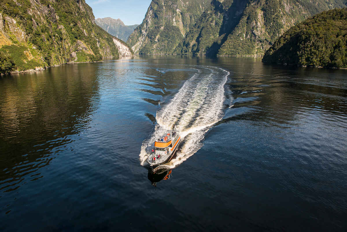 Tasman Explorer, Doubtful Sound