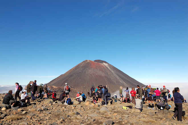 How's the serenity.....? - Summit, Mt Tongariro