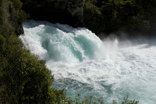 Huka Falls - the bigger picture