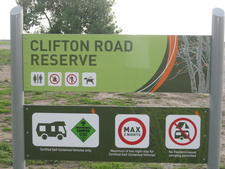 Clifton Road Reserve - for self contained vehicles.