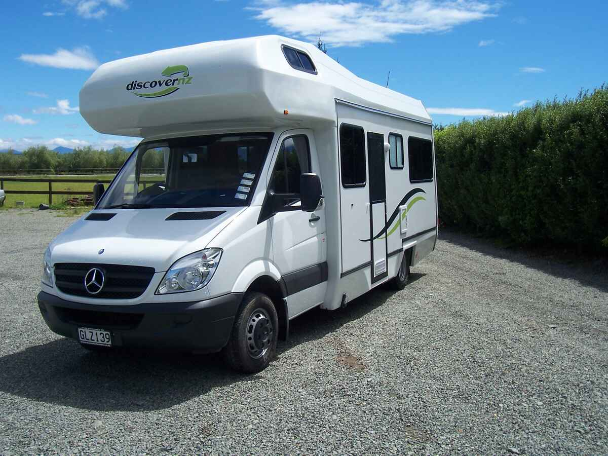 Discover nz motorhome rentals 4 2 berth mercedes benz for Mercedes benz motor home